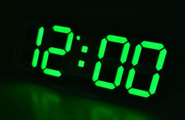 Годинник настільний VST-883-4